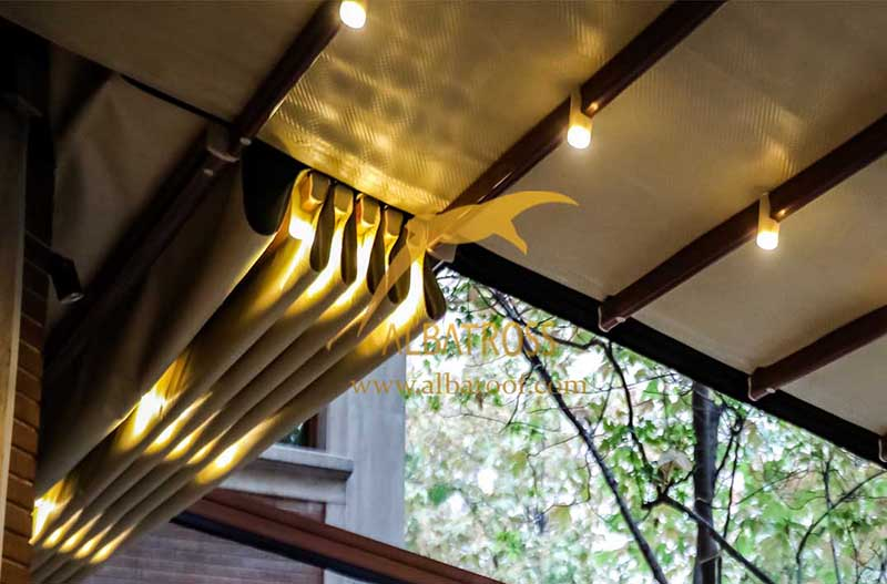 سقف متحرک پارچه ای در خیابان فرشته